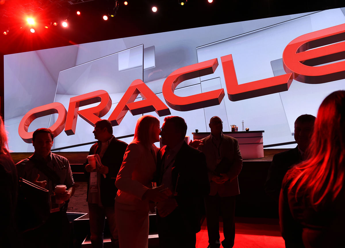 Oracle's Need for 'Steep' Sales Climb Leaves Street Cautious