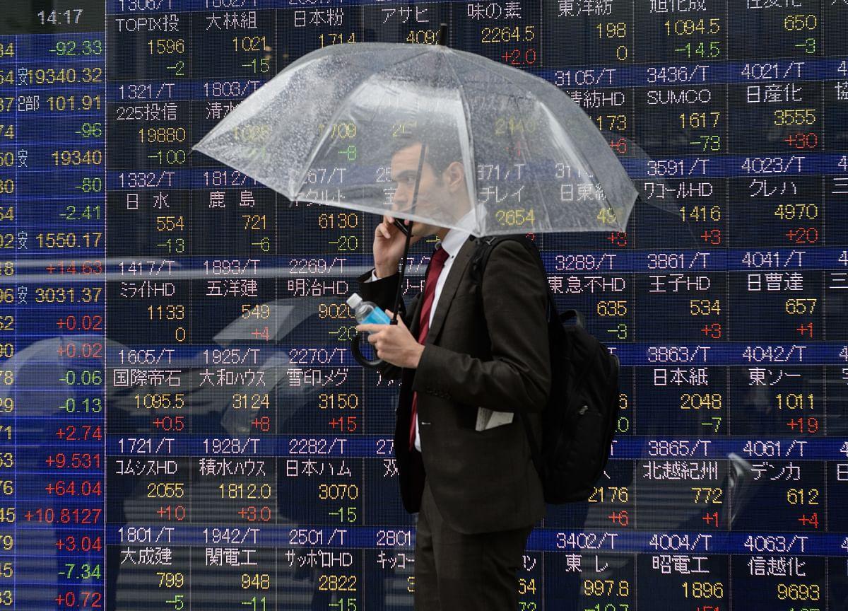 U.S. Stocks Climb, Bonds Rise Ahead of Trade Talks: Markets Wrap