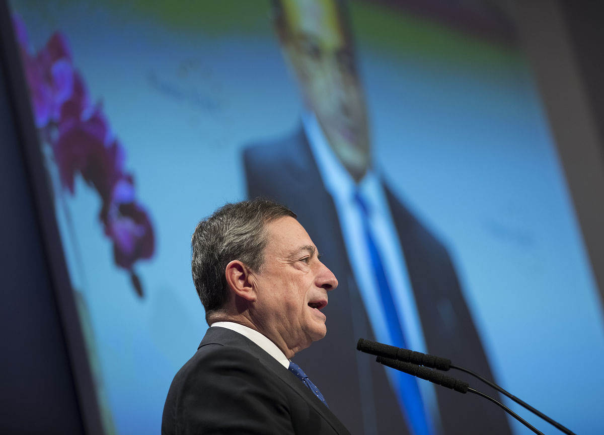 ECB's Draghi to Cut as Fragile Truce Fails to Boost Trade