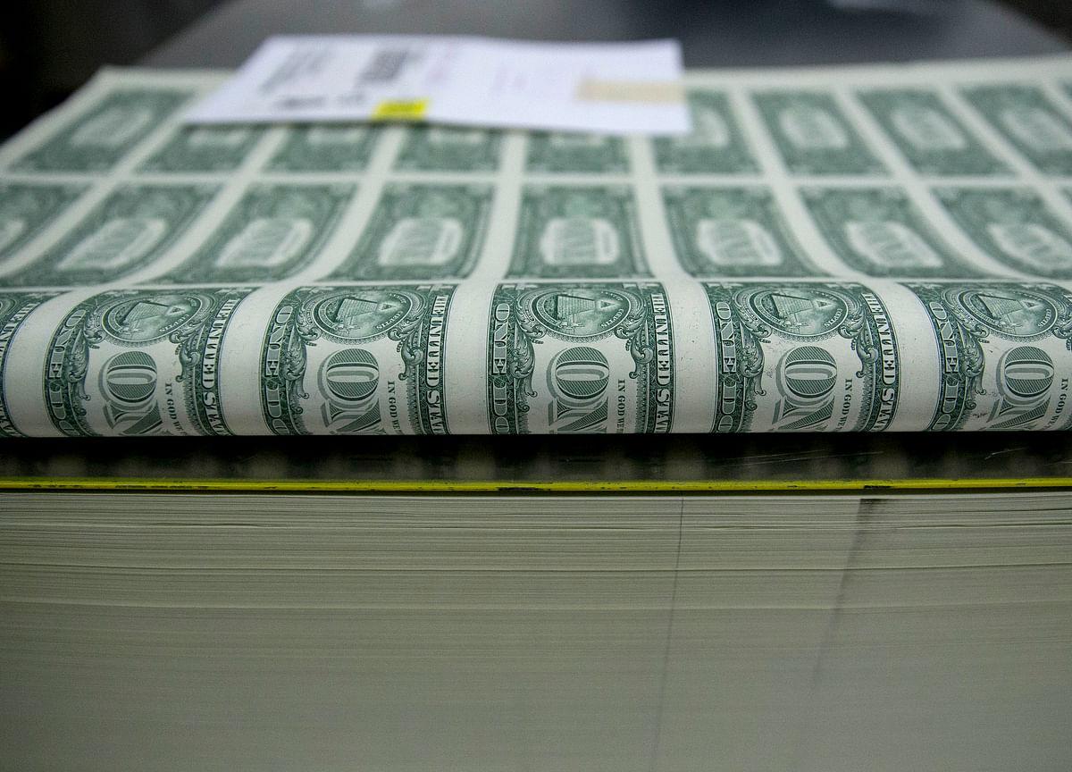 U.S. Lifts Debt Sales as Deficit Grows, Plans 2-Month Bills
