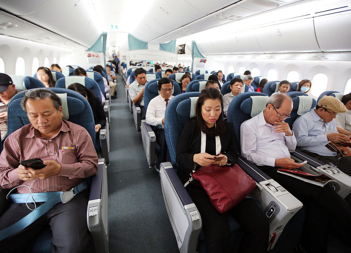 India Allows In-Flight Data And Mobile Services