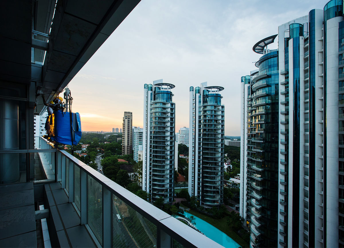 Singapore Developers Raise Alarm Over Apartment Supply Glut