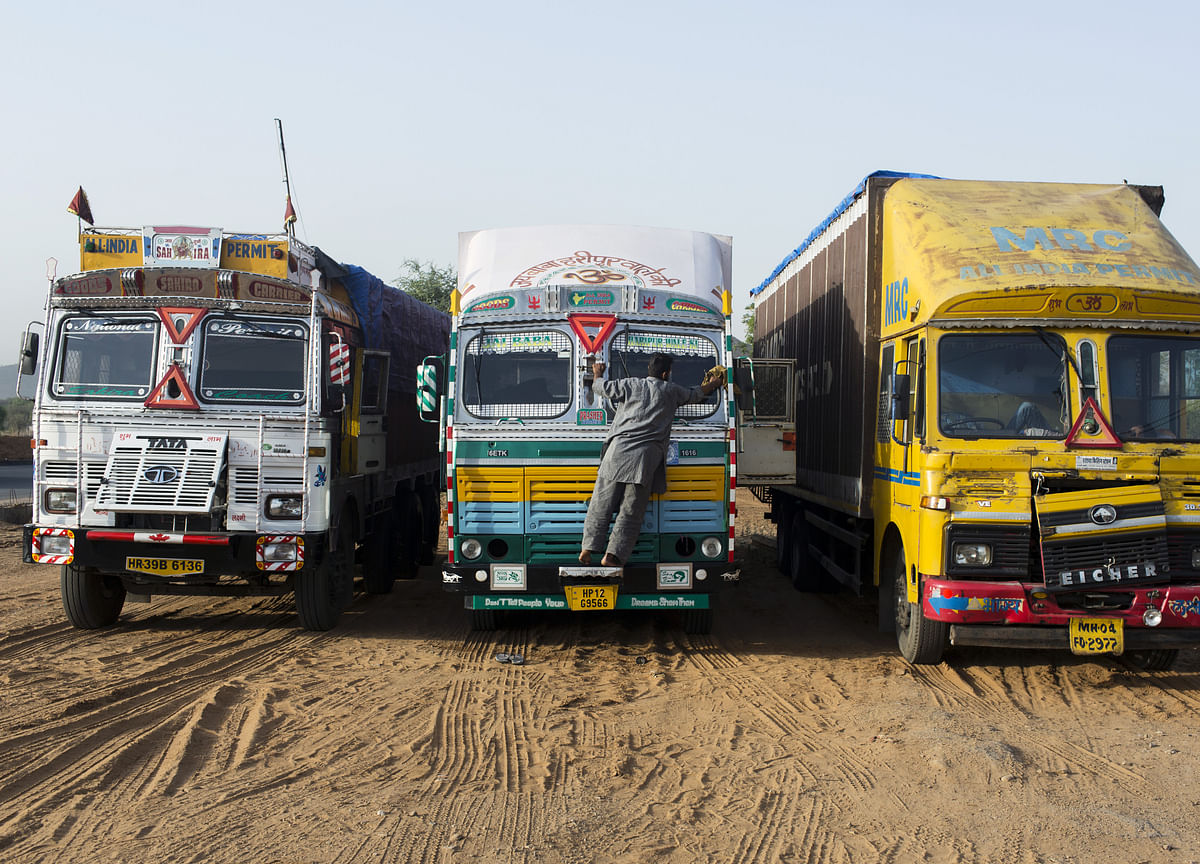 M&M To Sell Up To 13.7% Stake In Logistics Arm Via IPO
