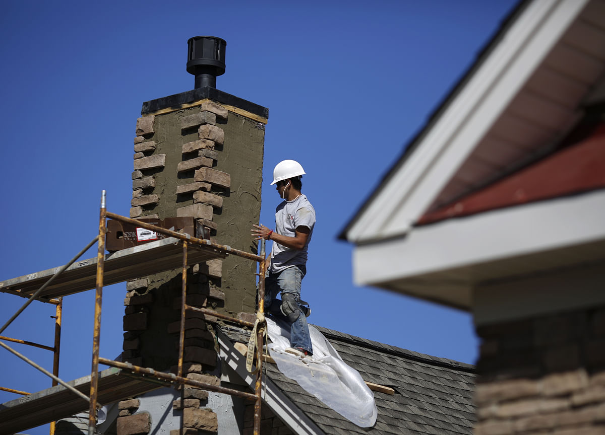 U.S. Homebuilder Sentiment Steady as Sales and Outlook Improve