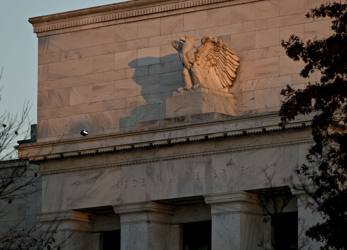 Fed Debate Shifts From Large Cut to Whether to Cut at All