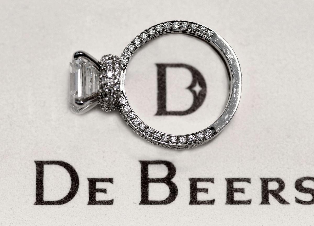 Diamond Crisis Gets Worse for Global Giant De Beers