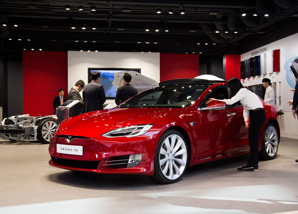 Tesla Rivals BMW as Model 3 Seen as Ultimate Driving Machine
