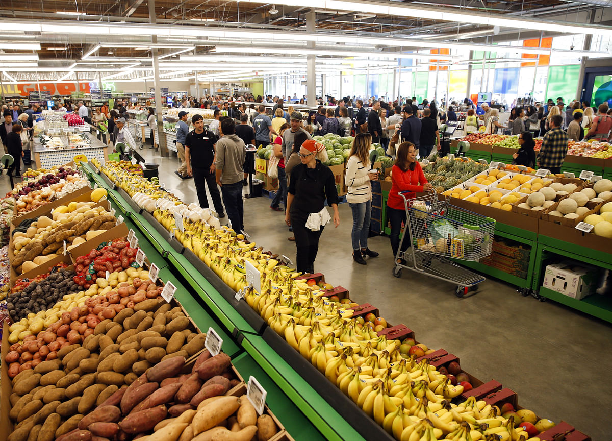 U.S. Consumer Sentiment Faltered in Late May, Outlook Dimmed