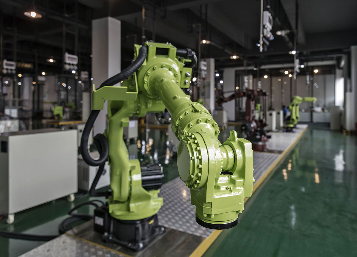 Robots Multiply in China as Annual Output Tops 100,000