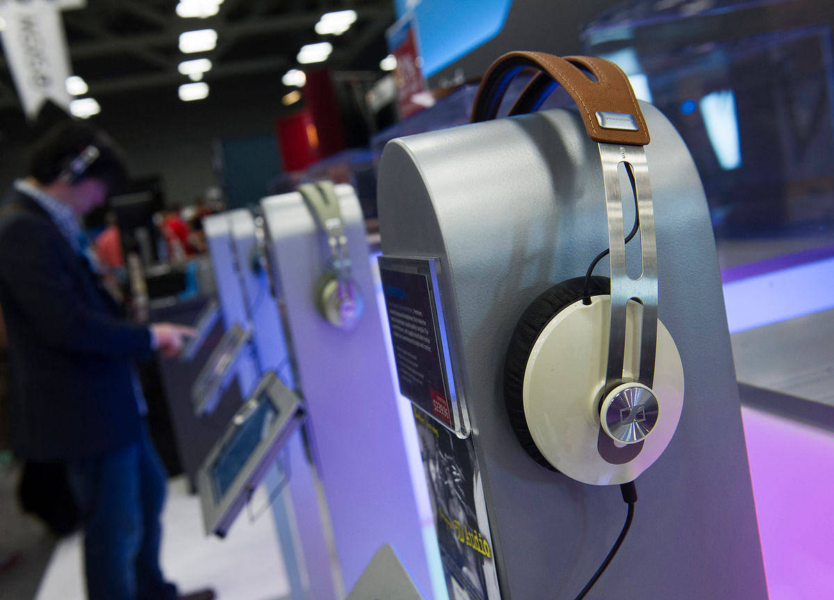 Government Proposal To Amend  Copyright Rules  May Benefit Websites, Music Streaming Firms
