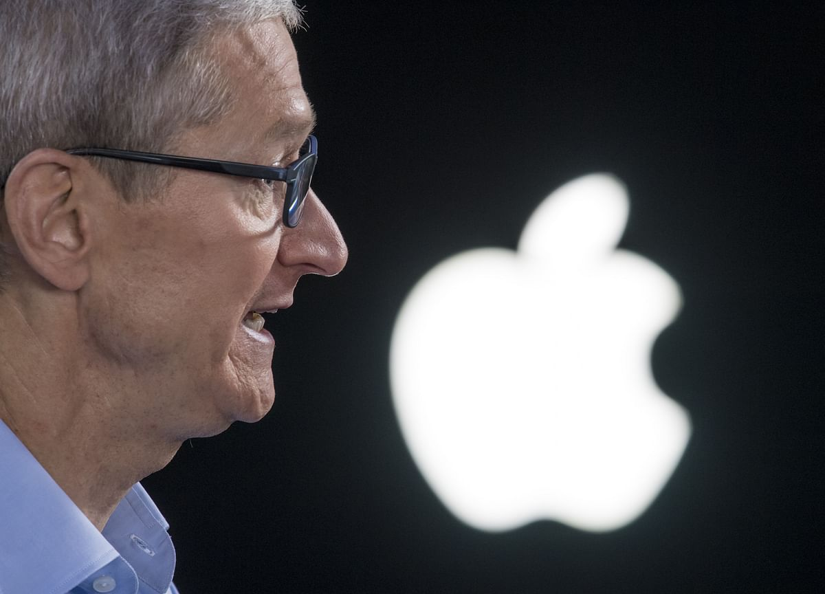Apple CEO's Pay Dropped About $10 Million in 2019 on Lower Bonus