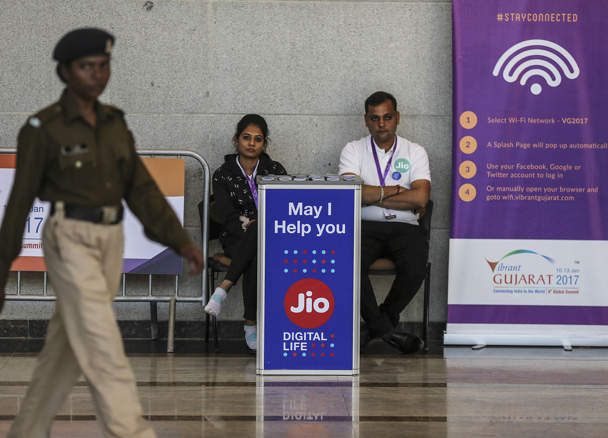 Reliance To Commercially Launch Jio Fiber Broadband Services Pan-India From Sept. 5