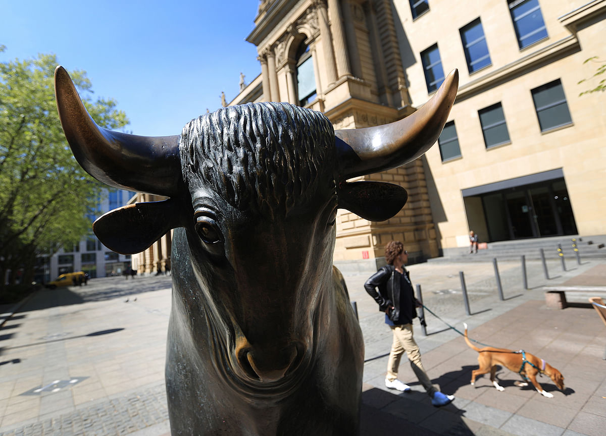 Treasury Bulls' Swagger Undiminished as Focus Shifts to Growth