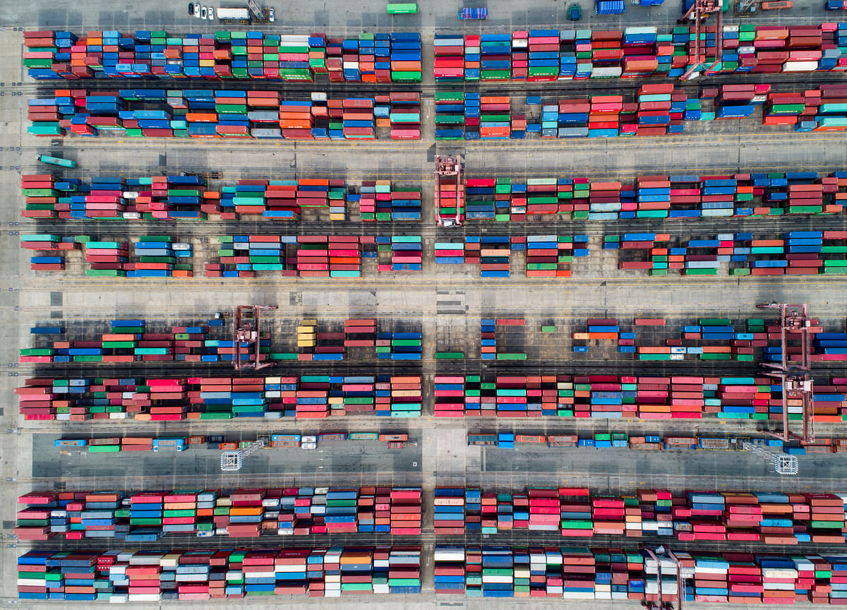 Global Trade Slumps in April as Trade War Dragged On
