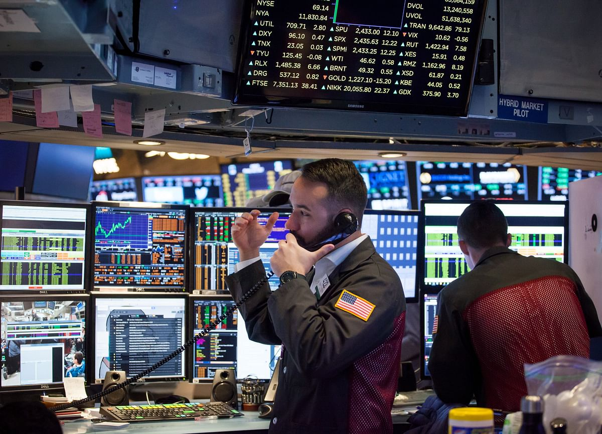 U.S. Index Futures Extend Losses as Rising Virus Cases Sour Mood