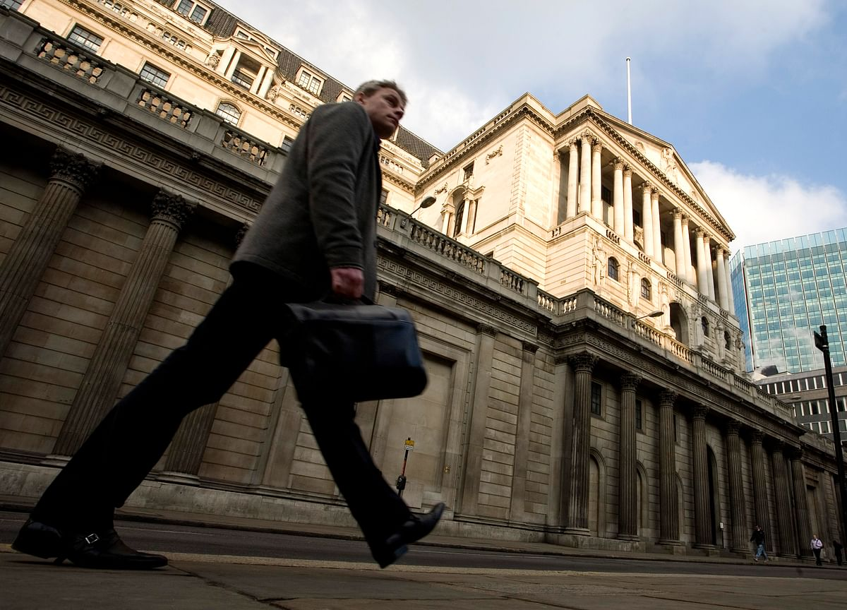 BOE Stuck on Hold as Brexit Delay Kicks in: Decision Day Guide