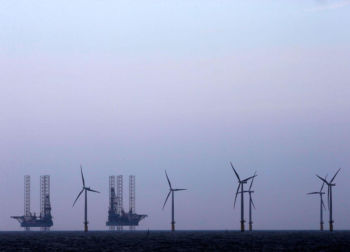 Offshore Wind Bonanza Draws Bidding War in Record-Setting Sale