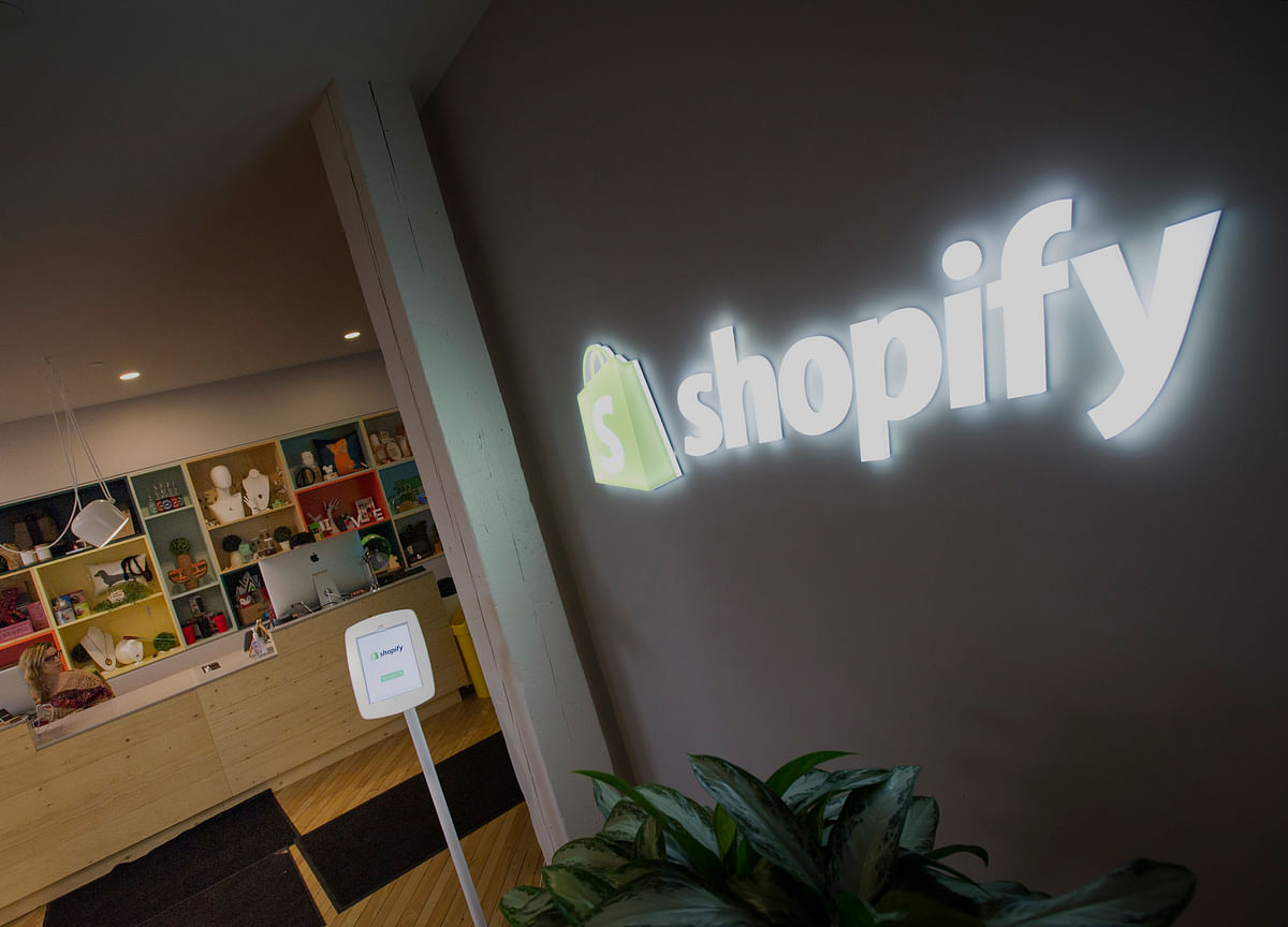 Shopify's Sweetheart Week Has It Encroaching on Market Stalwarts