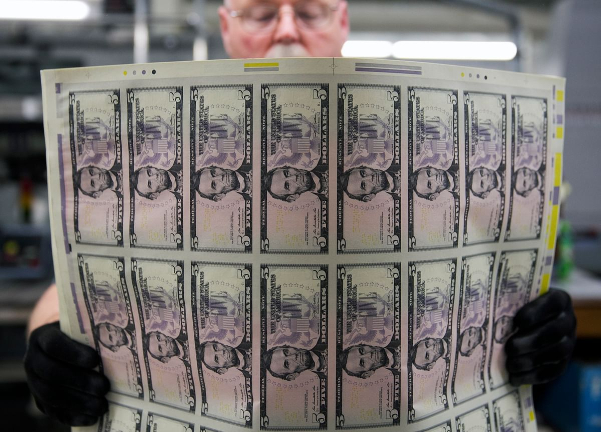 Foreign Investors Pour In Rs 8,634 Crore In April So Far