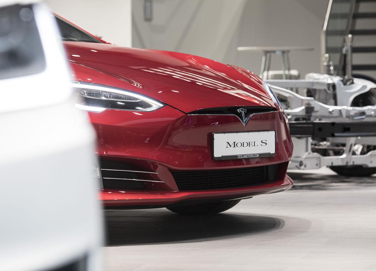 Inside Tesla's Attack on Germany'sAuto Establishment