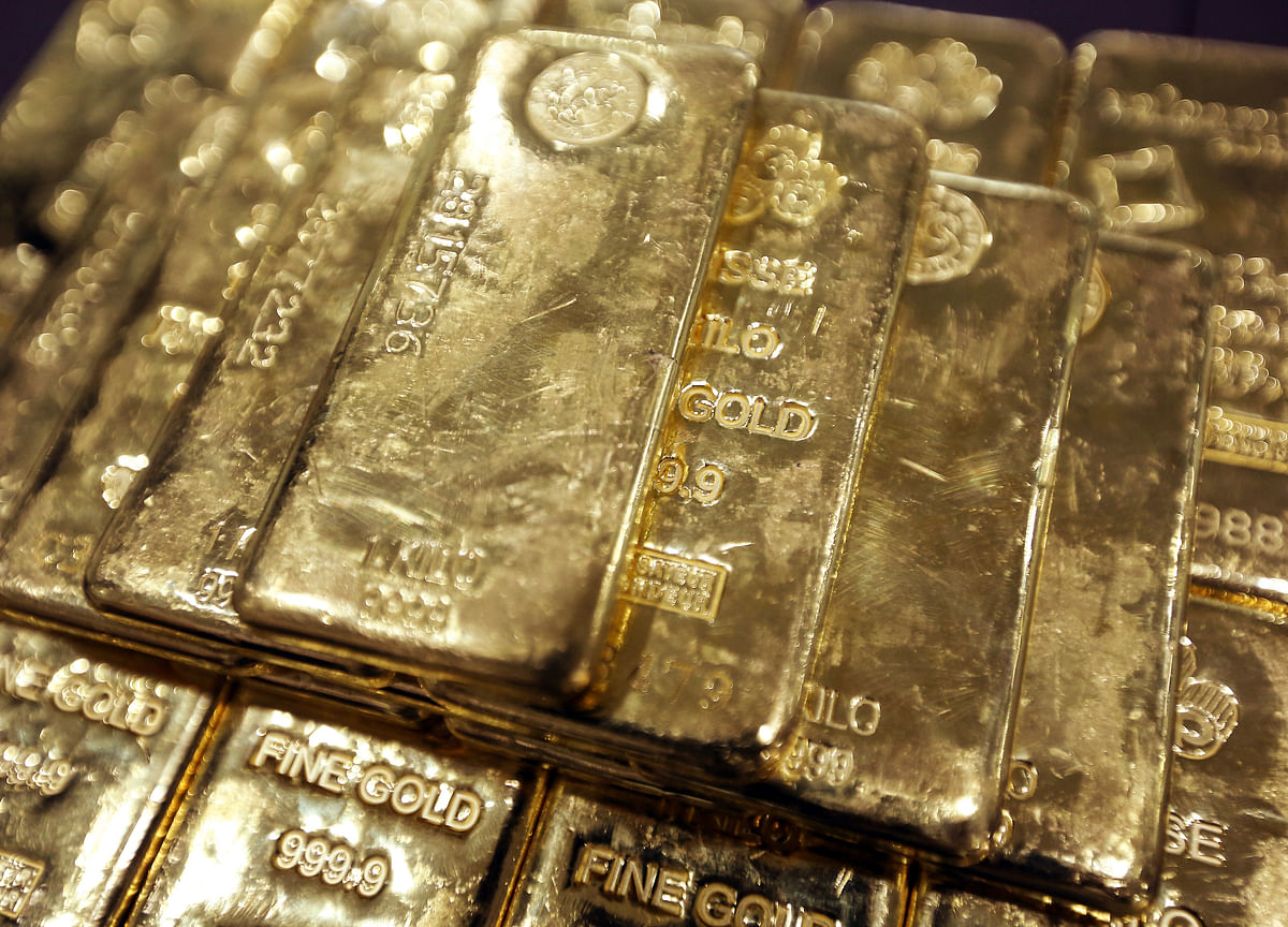 China Scoops Up More Gold for Reserves as Global Risks Mount