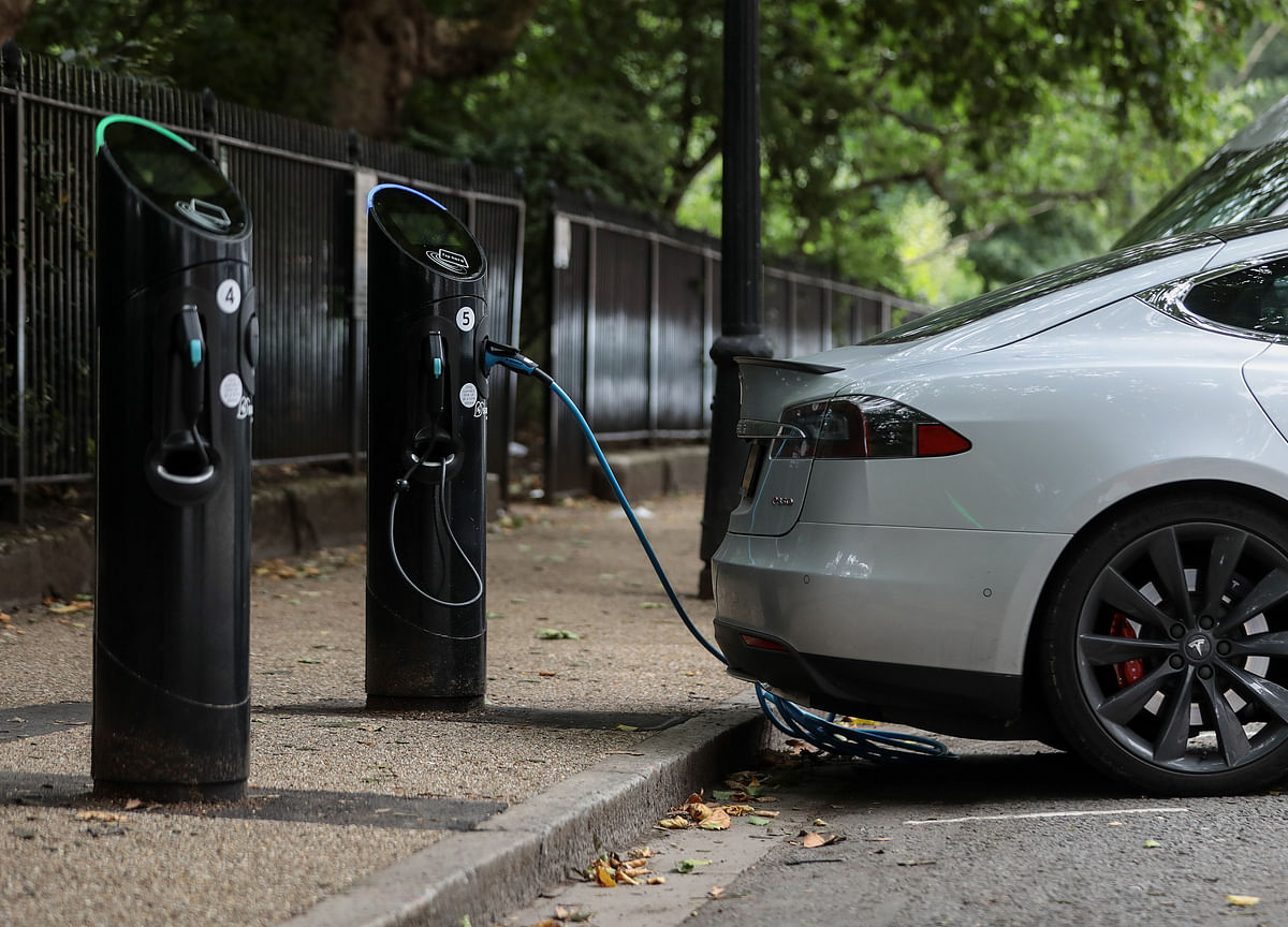 India Says Never Targeted 100% Electric Mobility By 2030, Scales Down Aim