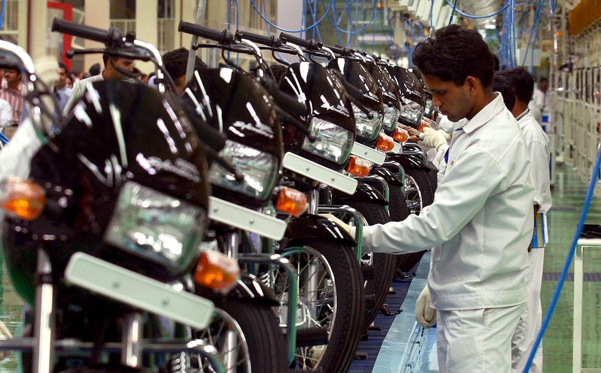 Hero MotoCorp's Splendor at the company's factory in India. (Photographer: Pankaj Nangia/Bloomberg News)