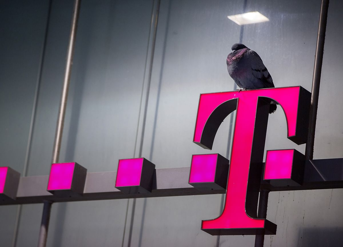 T-Mobile CEO Defends Sprint Merger as Opposition Mounts