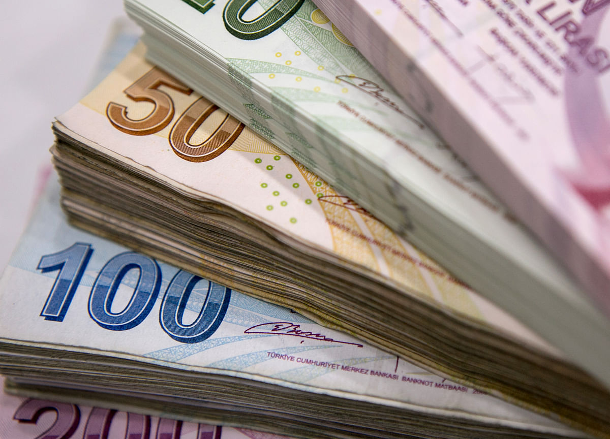 Turkish Central Banker Says Drop in Reserves Isn't Abnormal