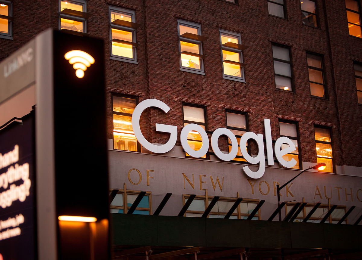 Google Slammed by Senators Over Censored China Search Engine