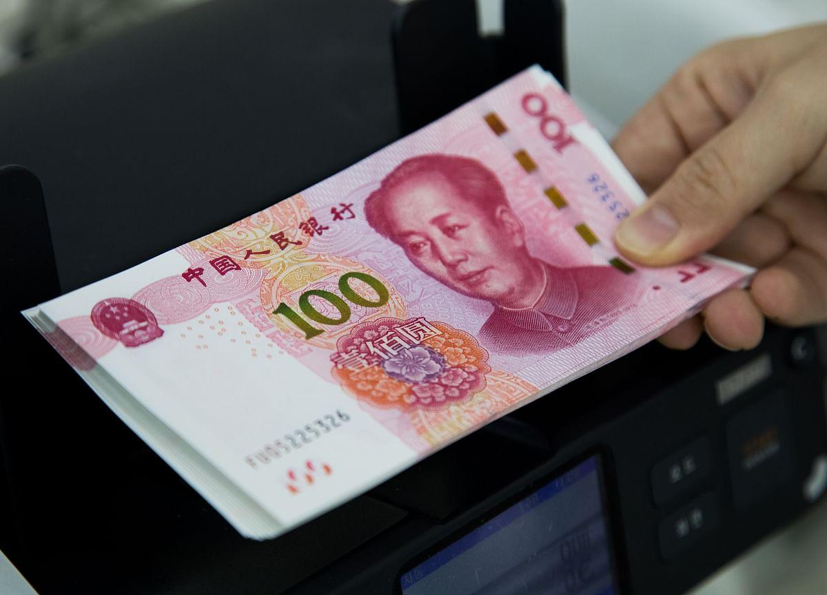 Yuan Battlefront Risks Currency Wars for World's Central Banks