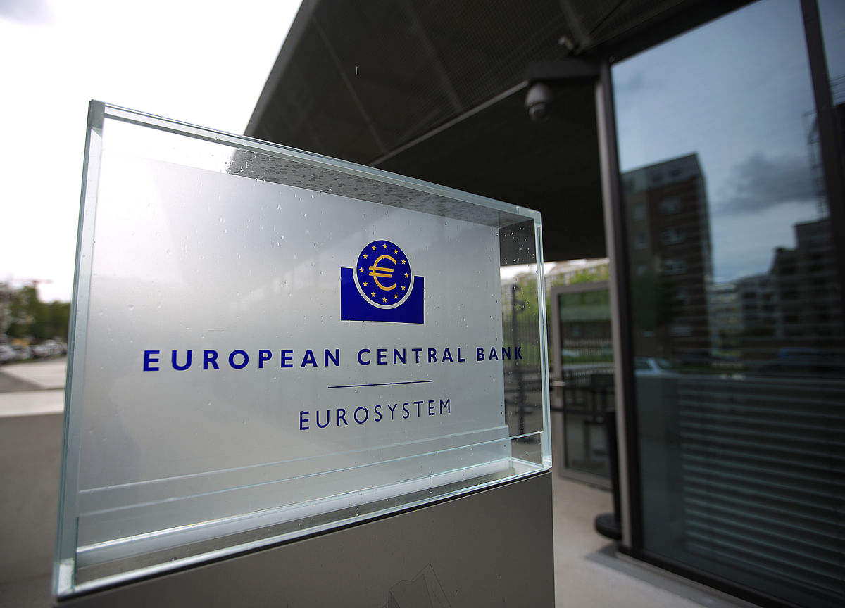 ECB Policy Makers Cool on More Stimulus Even If Outlook Worsens