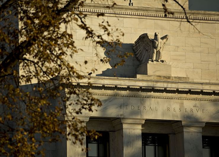 Fed on Collision Course With Bond Markets in Curve Conundrum