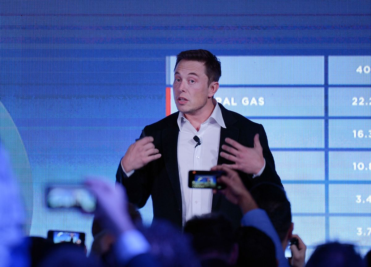 Musk Urges Chinese Consumers to Buy Model 3 Now to Fund Factory