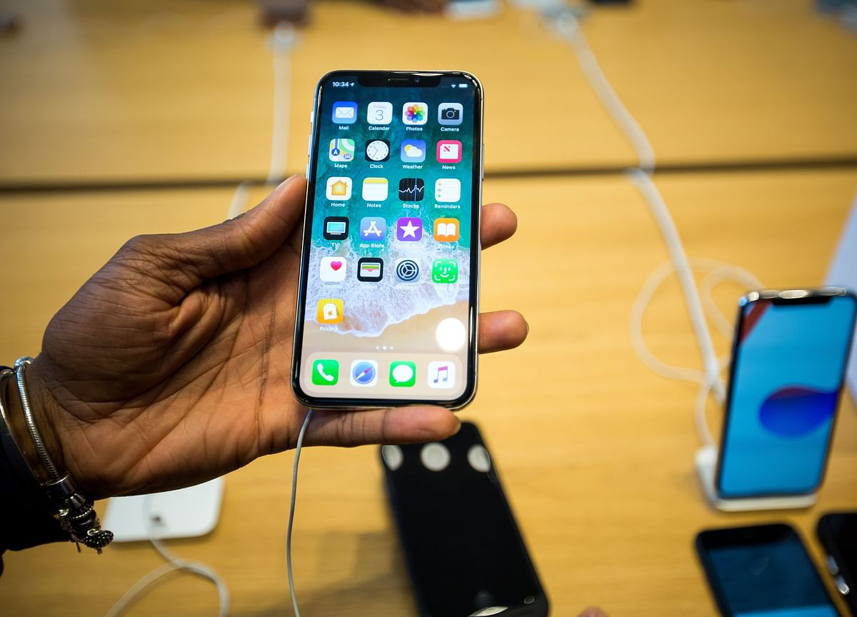 Apple Suppliers Are Considering Moving iPhone Output if Tariffs Hit 25%