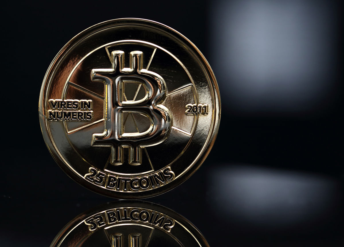Bitcoin Risks Crashing to $900 If Dot-Com Mania Is Any Guide