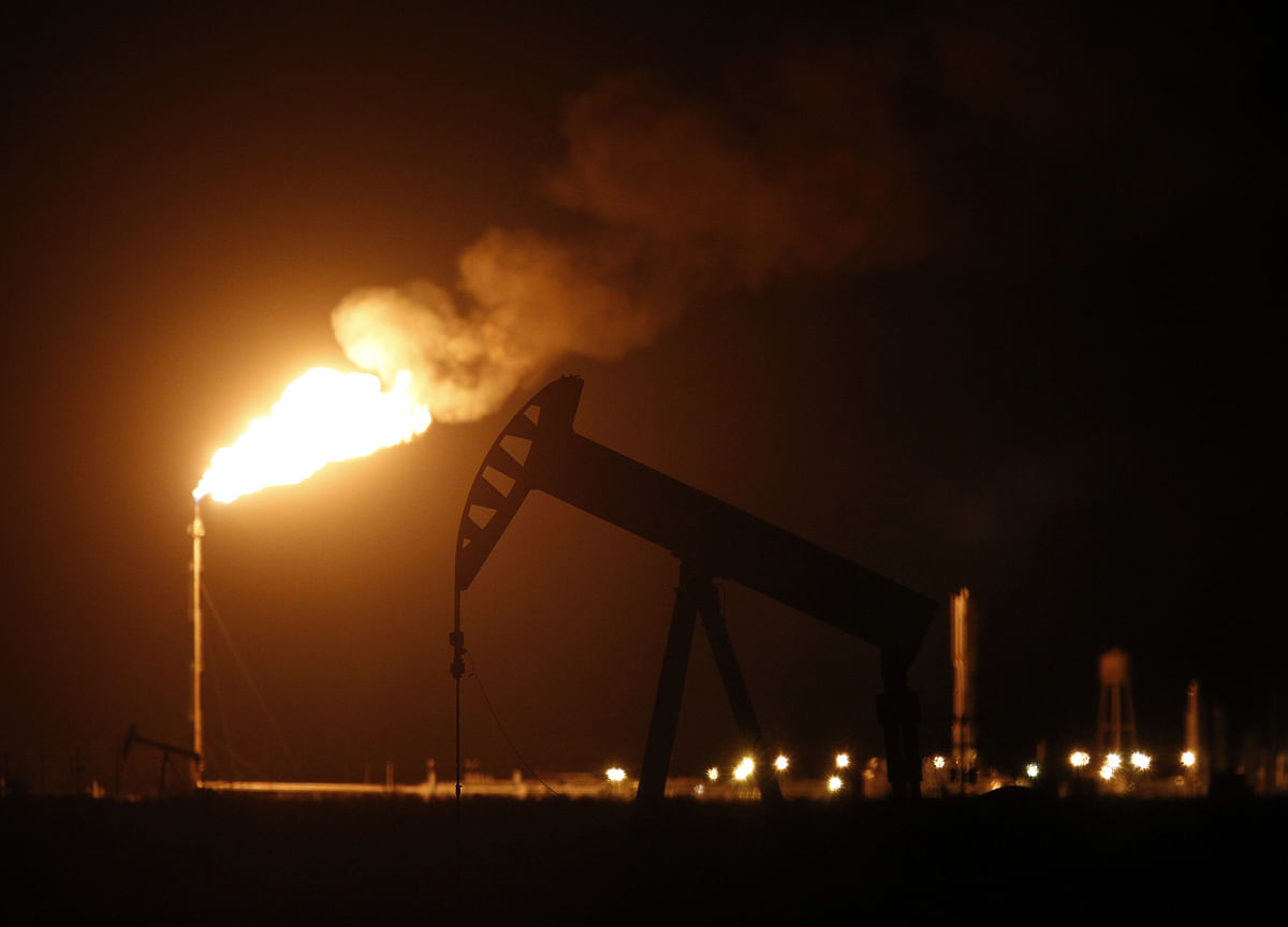 Oil Extends Rally Above $58 as Keystone Outage Cuts U.S. Supply