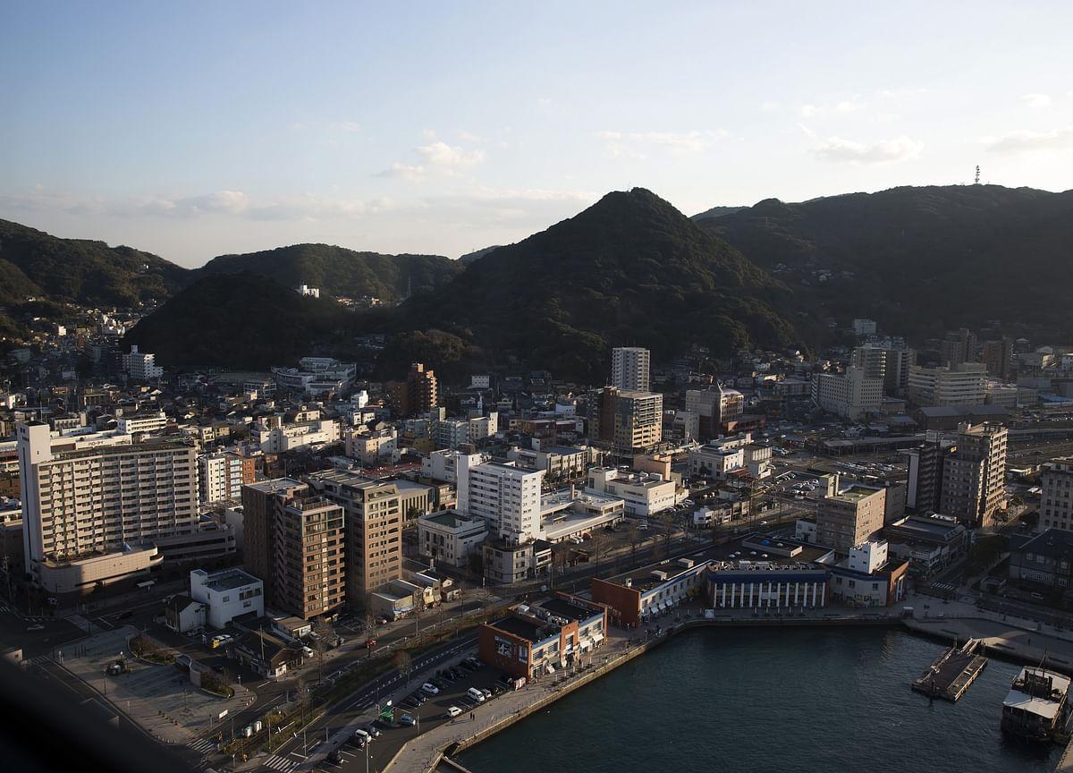 Japan's Expanding Economy Hides Wealth Disparity