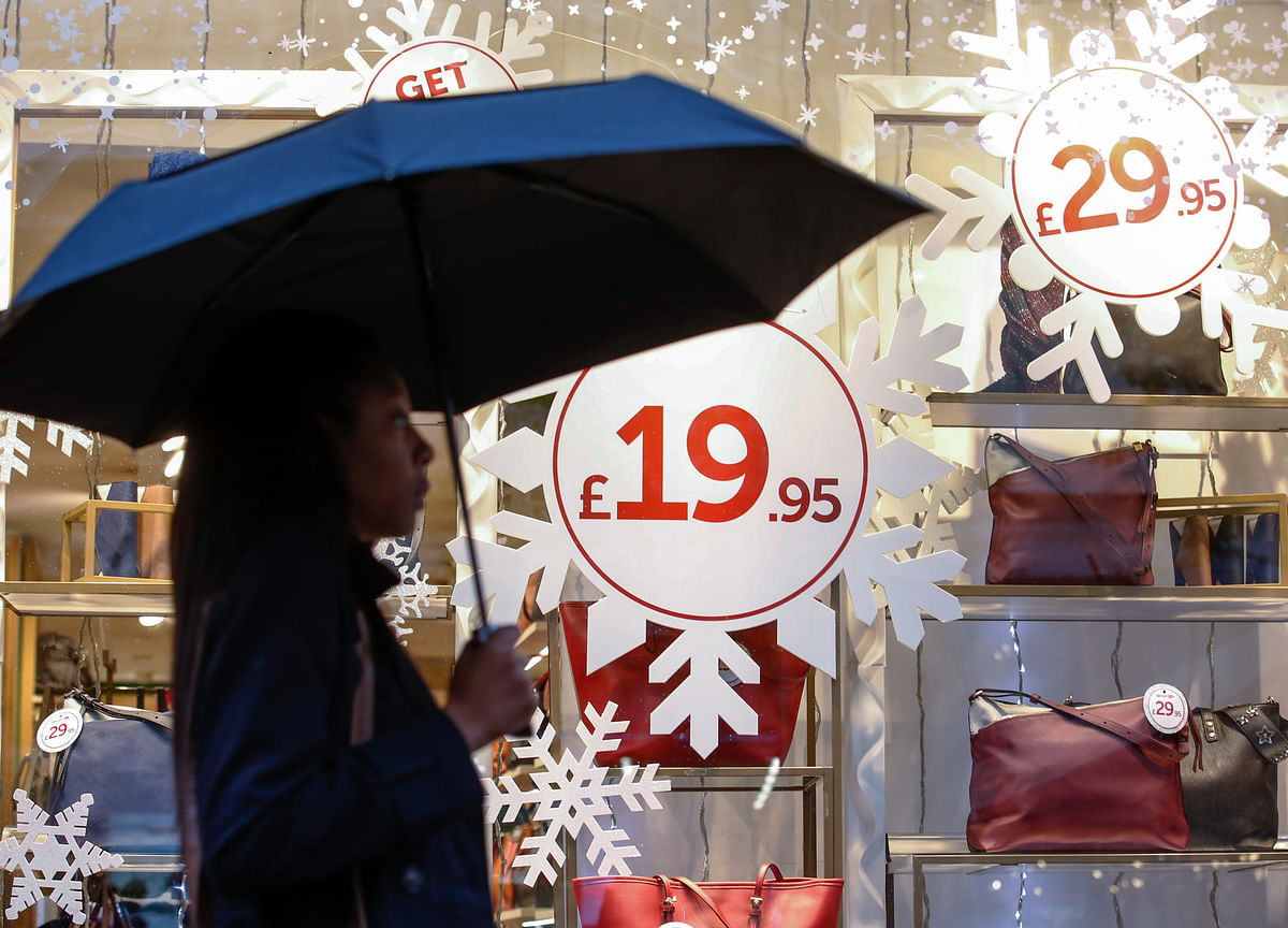 U.K. Consumer Confidence Hits Level Last Seen After Brexit Vote