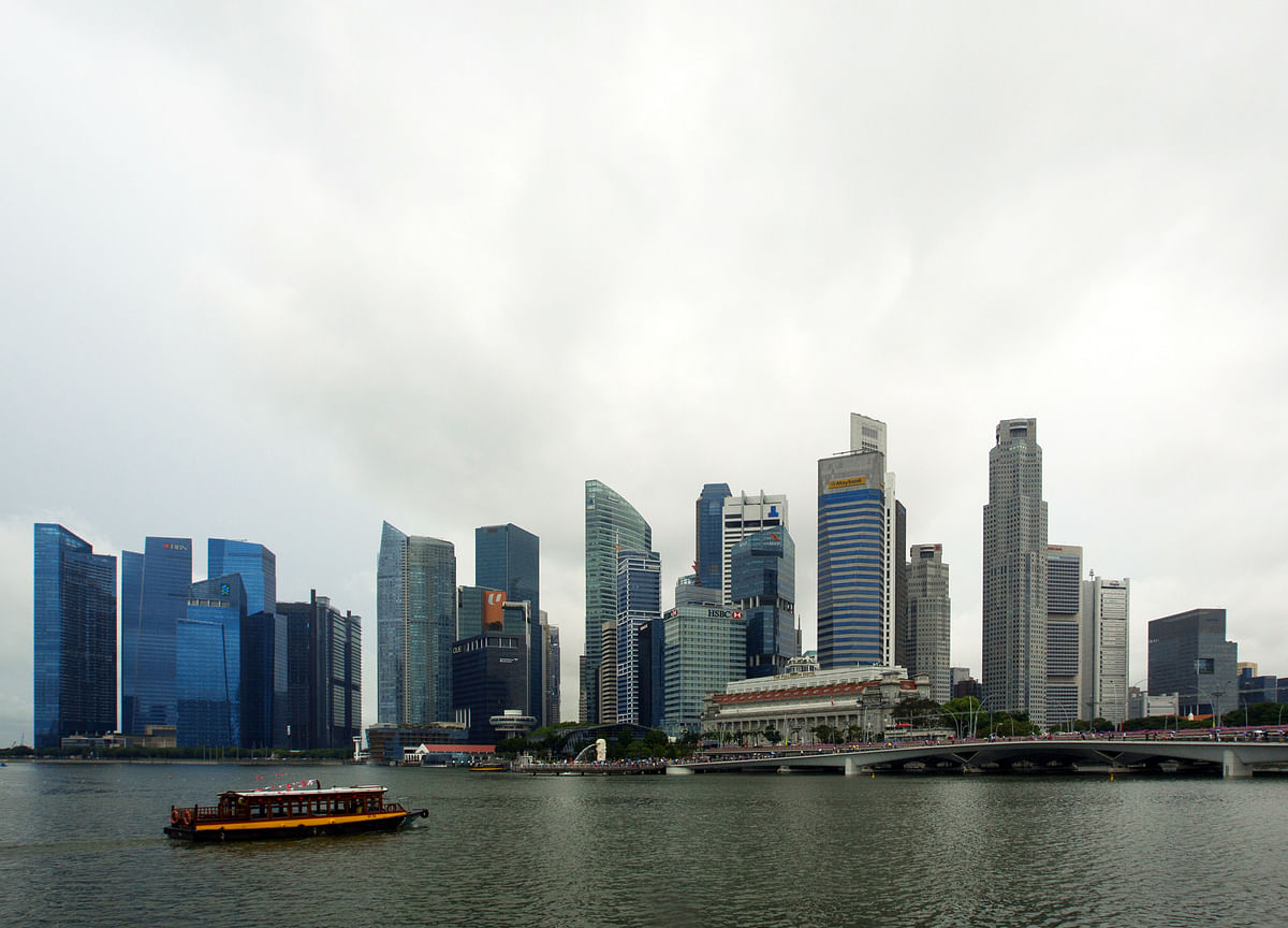 Singapore Growth, Low CPI Keep Markets Guessing on Next MAS Move
