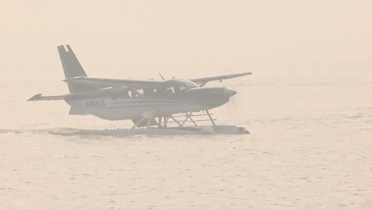 SpiceJet conducts a trial of amphibious aircraft in Mumbai. (Source: BloombergQuint)