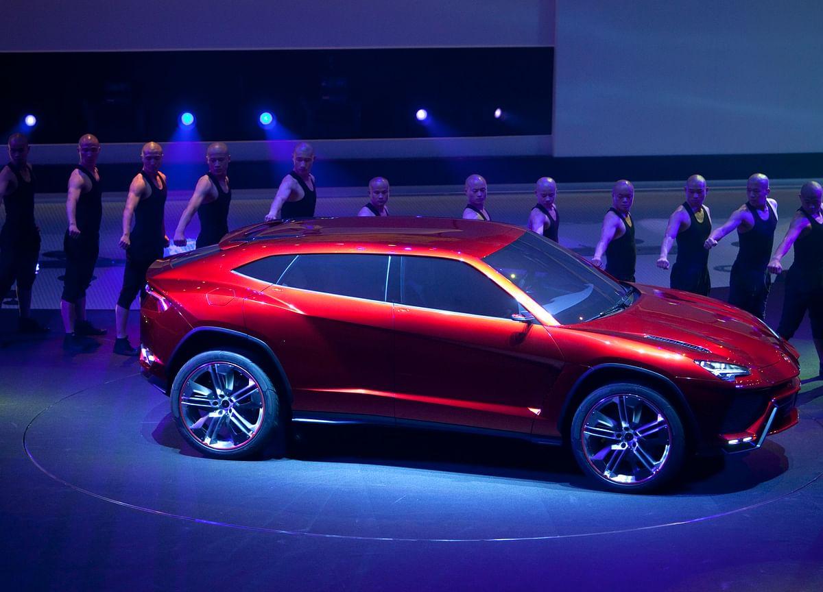 Lamborghini Finally Unveils the $200,000 Urus SUV