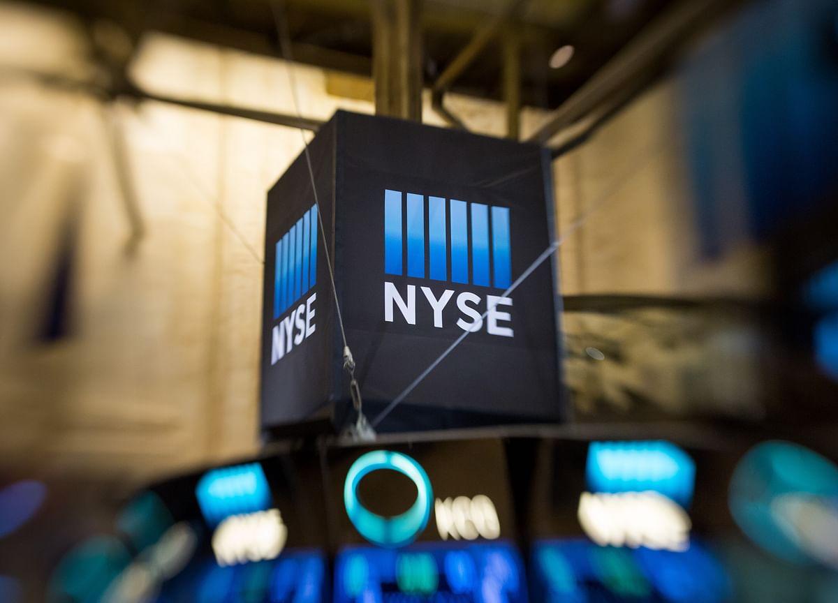 Tech Leads U.S. Stock Advance; Crude Oil Declines: Markets Wrap