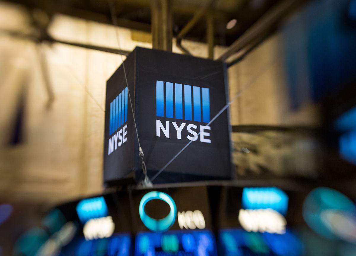 Bonds Surge, Stocks Rally After Fed Turns Dovish: Markets Wrap