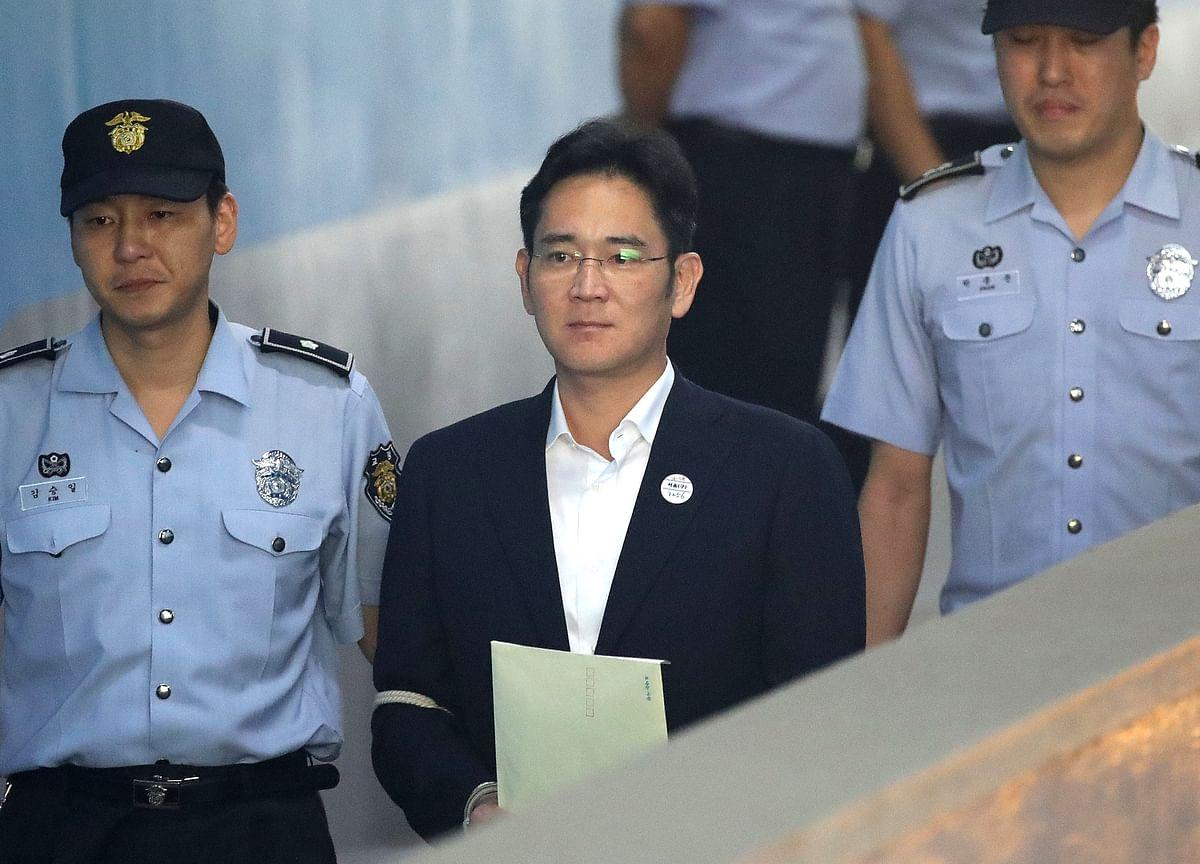 Prosecutors Push for Samsung Heir to Get 12-Year Sentence