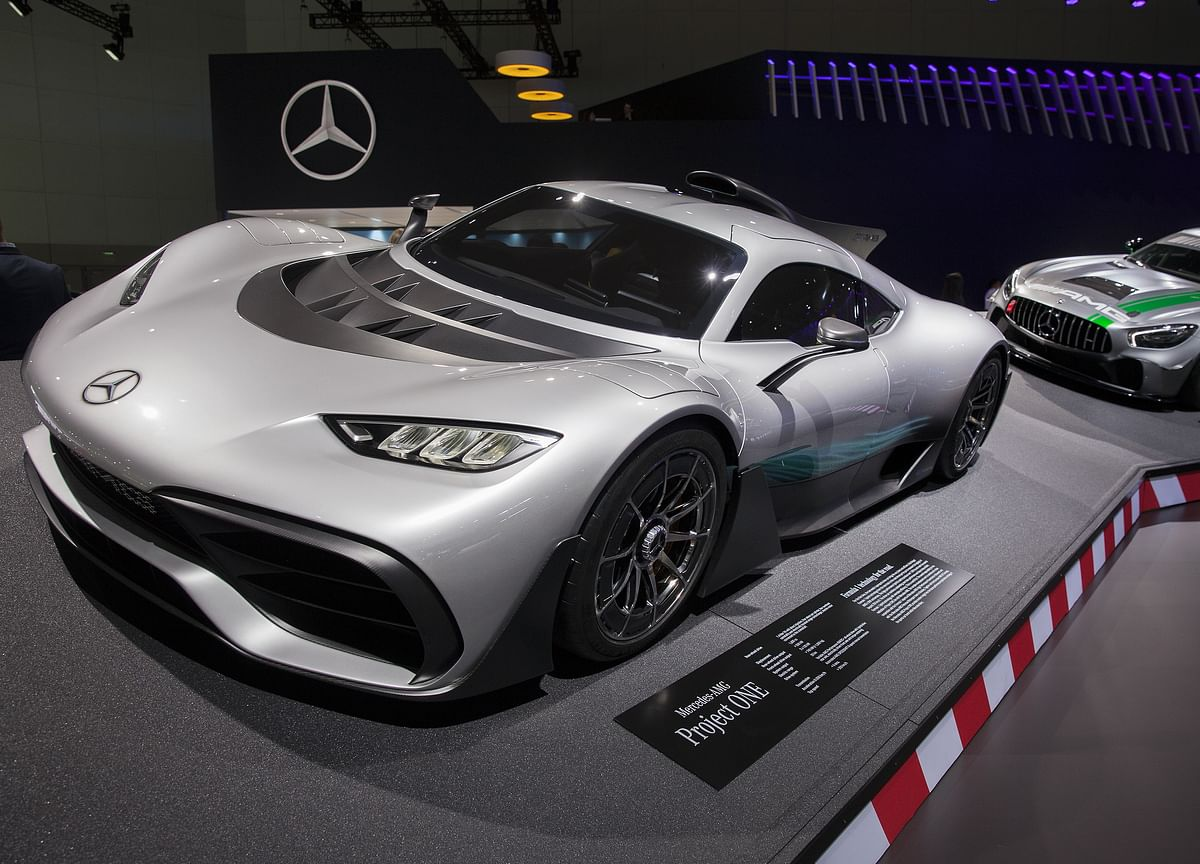 For Mercedes, Sealing U.S. Luxury Sales Crown Will Be a Cinch