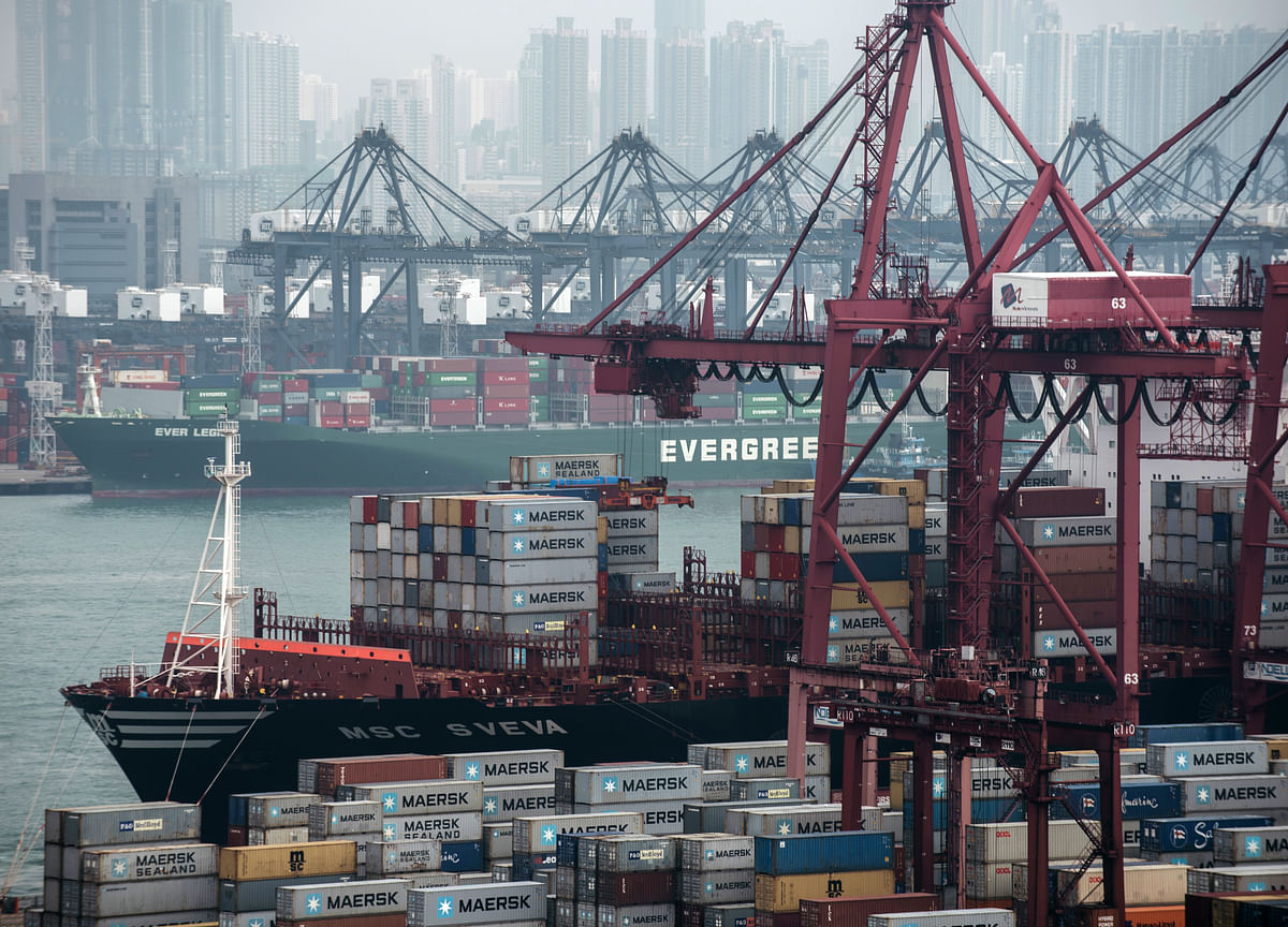 Global Trade Momentum Rises for First Time in Four Months