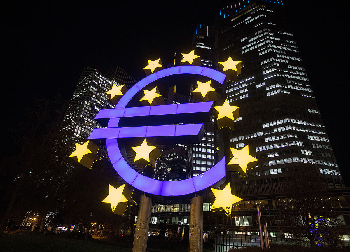 ECB to Lower Euro-Area Growth Outlook on Global Demand
