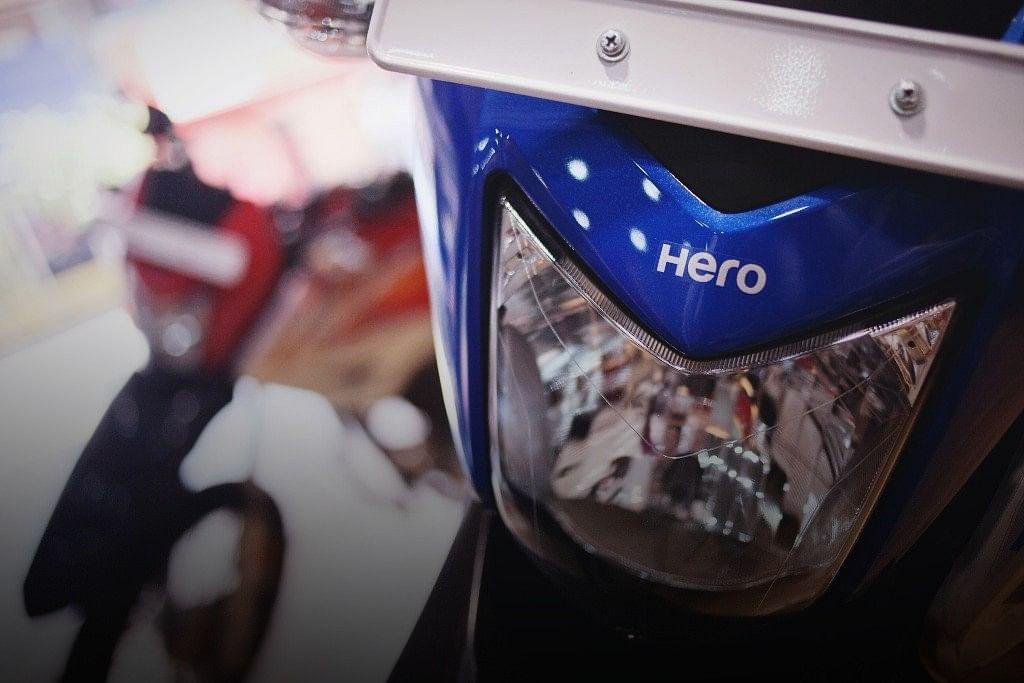 A Hero MotoCorp motorcycle is displayed at Pashupati Motors dealership in New Delhi, India. (Photographer: Prashanth Vishwanathan/Bloomberg)