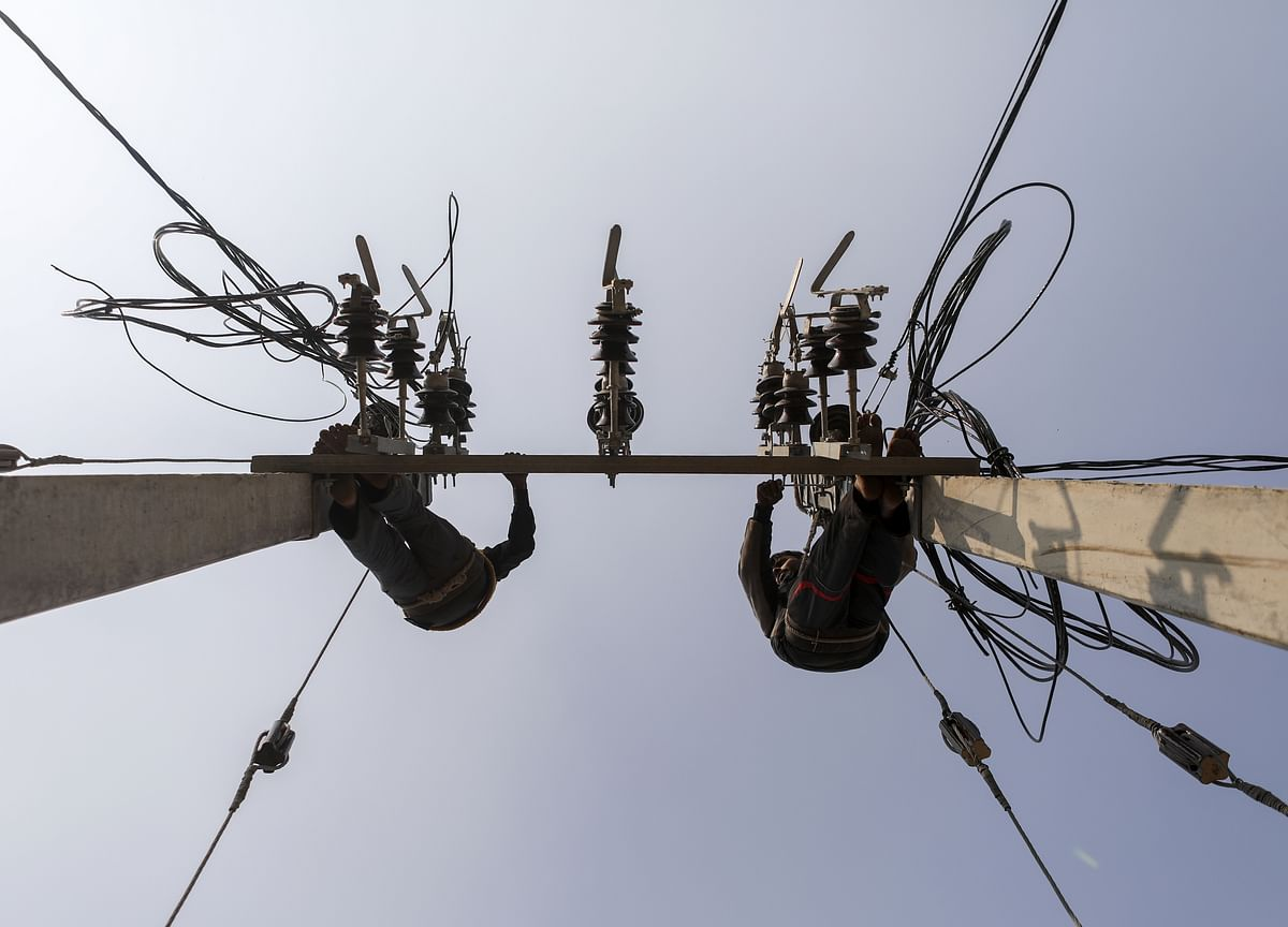 Stressed Power Projects: Finance Minister Holds Review Meeting With Lenders